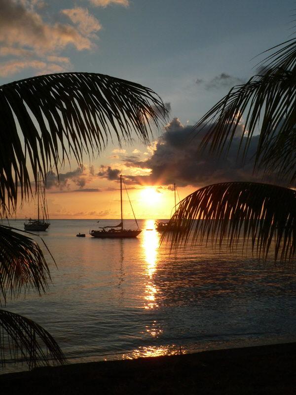 Galeries antilles martinique coucher de soleil saint - Les plus beaux coucher de soleil sur la mer ...